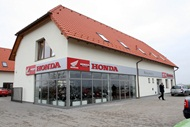 Prodejna a servis motocyklů Honda a sklady firmy NOKAMOTO s.r.o. - areál bývalé prachárny, Hradec Králové